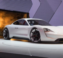 Porsche готви конкурент на Tesla Model S
